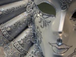 purim-mask_TOP
