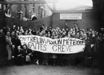 1 uvodni fotografie  - stavka parizskych mediku 1935