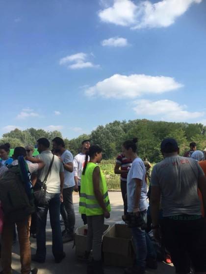 Na snímku dobrovolníci v táboře Ásotthalom. S pýchou mohu sdělit, že jak na této fotce, tak i v celém táboře, působila cca polovina lidí z Česko-Slovenska