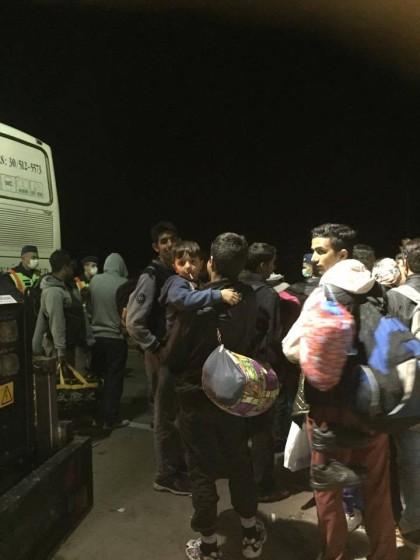 Tábor Ásotthalom - odjezd uprchlíků autobusem na sever