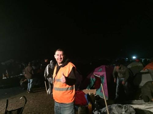 Röszke-siluety stanů se ztrácí v daleké tmě