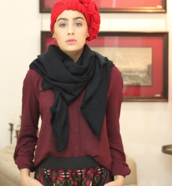 ascia-akf-fashion-style-blogger-in-the-middle-east-photos-red-turban-650x700
