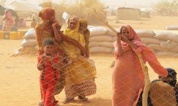 Refugies-Maliens-camp-Mbera-femme-touareg-sahel-desert