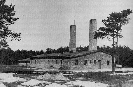 Krematorium IV na fotce z roku 1943
