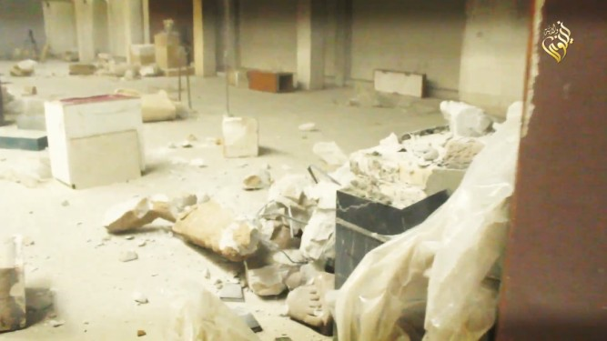 Muzeum v Mosulu po nájezdu členů ISIS
