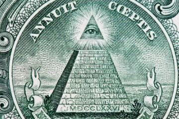 3770589-dolar-pyramida-makro