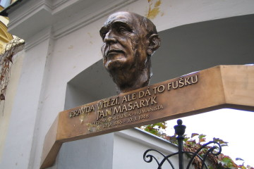 Jan_Masaryk_deska