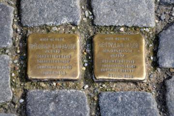 Ravensburg_Marienplatz31_Stolpersteine_Landauer