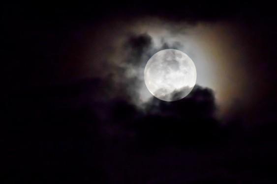 full-moon-595653_960_720